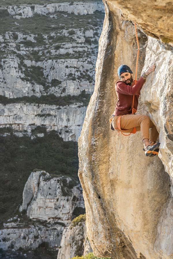 Sorties outdoor escalade en falaise avec Climb Up Aubagne